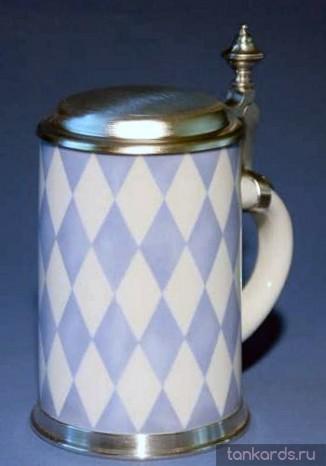 Кружка с рисунком флага Баварии из фарфора с крышкой и оловянным ободом на основании