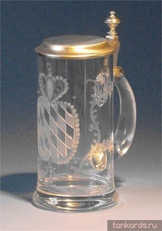 Немецкая стеклянная кружка с крышкой с ручной гравировкой