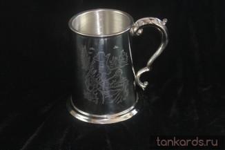 Пивная кружка оловянная с изображением сцен охоты