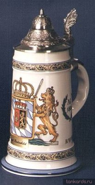 Немецкая керамическая пивная кружка с конусовидной оловянной крышкой и гербом Королевства Бавария 1806 года