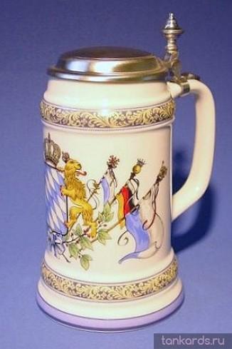 Керамическая литровая пивная кружка с крышкой и изображением Баварского герба с флагами