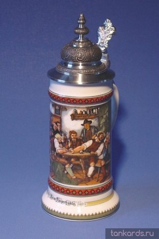 Фарфоровая кружка с устойчивым дном, куполообразной крышкой и изображением сценки в пабе