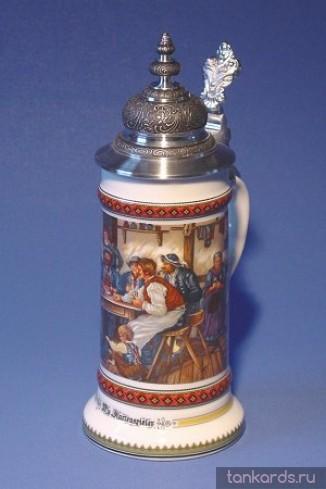 Пивная фарфоровая кружка с устойчивым дном, куполообразной крышкой и изображением игроков в карты