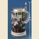 Немецкая пивная кружка с оловянной крышкой и изображением сценки в пабе