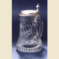 Кружка декорированная резьбой по стеклу и крышкой