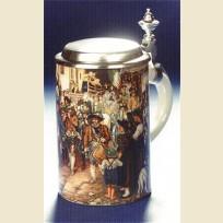 Кружка из керамики, фарфора с изображением группы людей