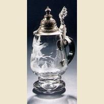 Стеклянная пивная кружка с крышкой в форме бокала