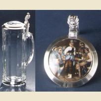 Кружка из стекла с изображением сценки в баре на крышке