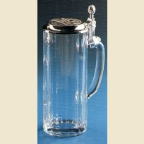 Граненая стеклянная пивная кружка с гравированной оловянной крышкой