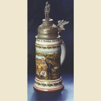 Полковая коллекционная немецкая пивная кружка с фигурной крышкой