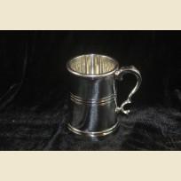 Авангардная коллекционная кружка из олова