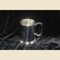 Полупинтовая оловянная пивная кружка